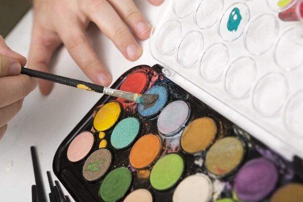 大人の塗り絵におすすめの水彩絵の具混色と塗り方の基本